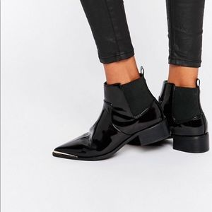 ASOS}•Abbie Chelsea pointed ankle boot